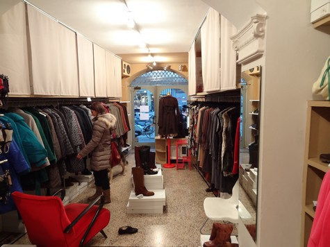 The clothes shop: Small things |