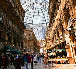 Shopping in milan for Milan outlet shopping